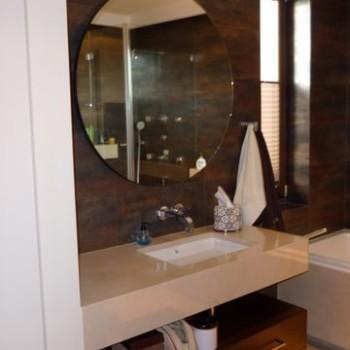 Umywalka z lustrem