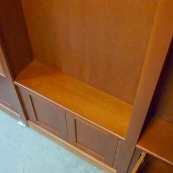 Półka na szafce